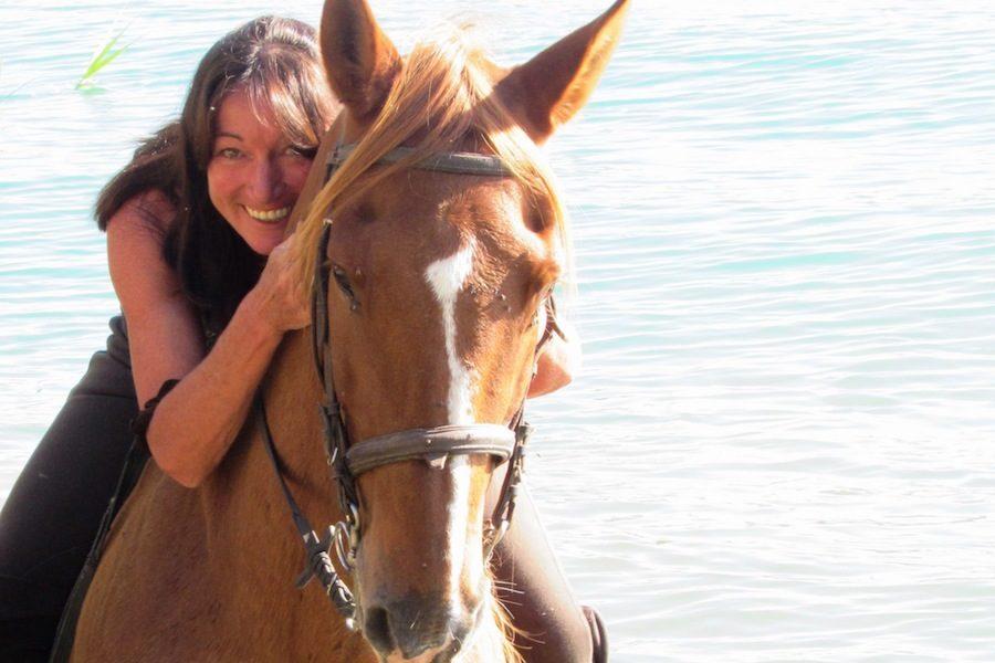baignade cheval rivière Catalogne randonnée