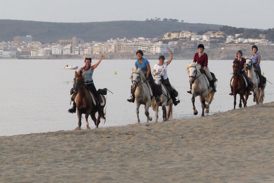 galop plage Catalogne chevaux espagnols